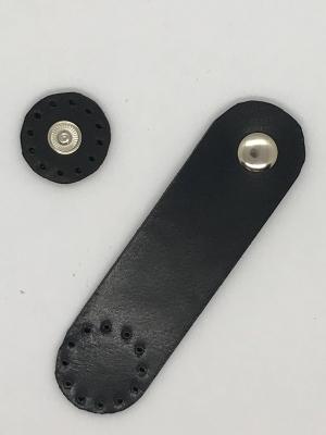 Patentos bőr táskazár - fekete